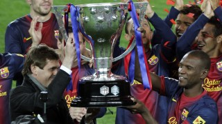Abidal y Tito Vilanoca alzan la Copa del Rey en 2012