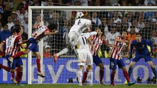 Sergio Ramos rematando de cabeza