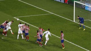 Sergio Ramos remata de cabeza el primer gol del Real Madrid