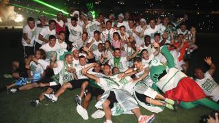 Los jugadores del Córdoba celebraron el ascenso con su afición