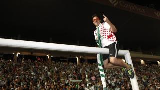 Los futbolistas del Córdoba celebraron con su afición este importante logro