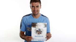 El capitán del Atlético de Madrid recibió el Manual de Bienvenida de la LFP