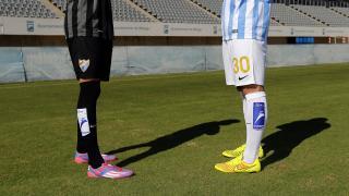 Jugadores del RCD Espanyol posan con las medias