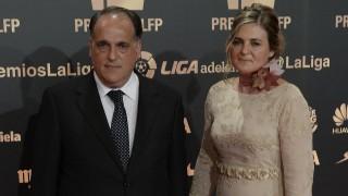 Javier Tebas, presidente de la LFP, con su mujer