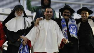 Las gradas del Heliodoro Rodríguez López se encomendaron a la fe