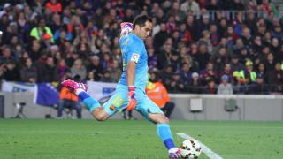 Bravo demostró toda su valía en la portería del Barcelona