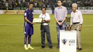 El Málaga recibió su particular homenaje tras el encuentro