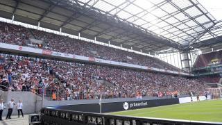 Gran ambiente para vivir el último partido del Valencia en la Gira LFP World Challenge