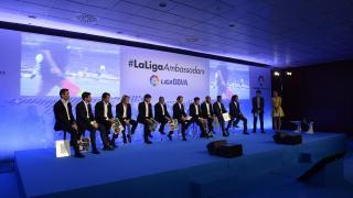 Fernando Sanz capitanea el equipo de #LaLigaAmbassadors.