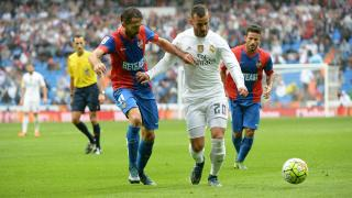 R. Madrid - Levante.