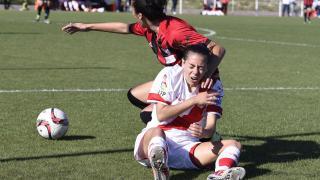 Un lance del juego durante el partido entre el Rayo Vallecano y el Sporting de Huelva.