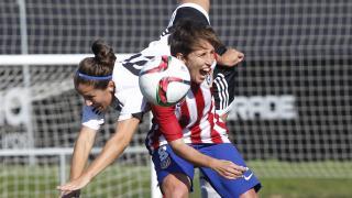 Gio y Soni Bermúdez, en la disputa de un balón durante el duelo entre el Valencia CF y el Atleti Féminas.