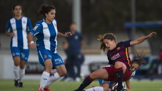 """""""Ille"""" durante una jugada del derbi catalán entre el RCD Espanyol y el FC Barcelona, en la Primera División Femenina."""