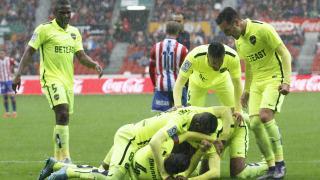 Los jugadores del Levante celebran un gol ante el Sporting.