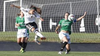 Beristain dispara durante la victoria de su equipo ante el Oviedo Moderno.