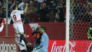 Kevin Gameiro fue el gran protagonista de la victoria del Sevilla por 2-0 ante el R. Sporting gracias a sus dos goles en la recta final del partido