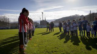 Homenaje a Ana Ruiz en el Oiartzun KE - Athletic Club Femenino.