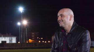 Ander, hermano de Ana Ruiz, durante la entrevista.