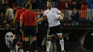 Negredo anotó un hat-trick en el partido ante el Granada CF.