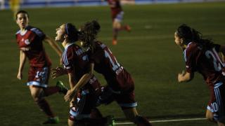 Nahikari García celebra el gol de la victoria de la Real Sociedad femenina frente al T. Alcaine.
