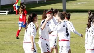 El F. Albacete celebra uno de los goles de Eli frente al Collerense en la Primera División Femenina.