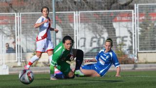 Un lance del partido entre el Rayo y el Oiartzun KE, en la Primera División Femenina.