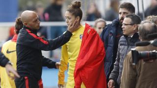 Lola Gallardo se retiró lesionada en el partido del At. Madrid Féminas ante el T. Alcaine ZGZ, en la Primera División Femenina.