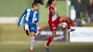 Maria Neira corta un pase de la Real Sociedad.