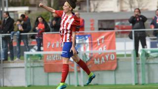 Esther celebra uno de los tres goles que su equipo marcó al Sporting de Huelva.