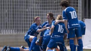 La alegría de las jugadoras del Oiartzun después de lograr el tanto del empate.