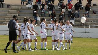 Las jugadoras del F. Albacete celebran la victoria ante el Granadilla Egatesa.