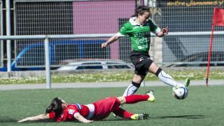 El Oviedo Moderno domina el encuentro en la primera mitad.