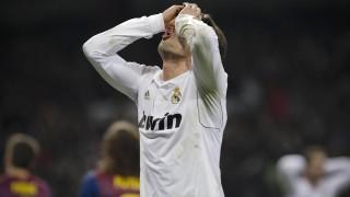 10/12/2011 Real Madrid 1-3 Barcelona / EFE/Emilio Naranjo