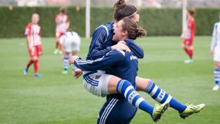 La alegría de las jugadoras de la Real Sociedad tras ganar al At.Madrid Féminas.