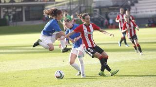 Una acción del partido disputado entre el Athletic y el Collerense.