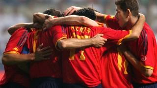Juan Carlos Valerón celebra con sus compañeros de la selección española un gol marcado por el canario en la Copa Mundial de la FIFA de 2002 EFE/SERGIO BARRENECHEA