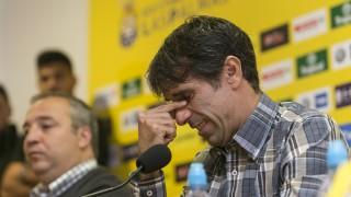 Juan Carlos Valerón entre lágrimas en la rueda de prensa en la que anunció su retirada a final de temporada - EFE/QUIQUE CURBELO