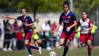 Marta Torrejón conduce el balón durante el partido que enfrentó al Santa Teresa y al FC Barcelona.