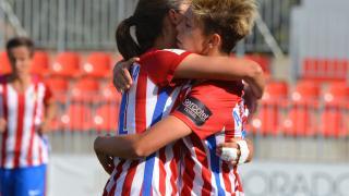 Amanda y Ale celebran uno de los tantos del At. Madrid Femenino ante el Espanyol.