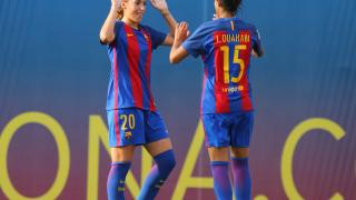 Olga celebra con Leila el segundo tanto del partido.
