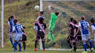 Un lance del partido entre la Real Sociedad y el Rayo.