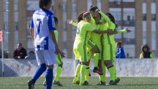 Las jugadoras del Betis celebran uno de los dos tantos que le dieron la victoria ante el Sporting Huelva.