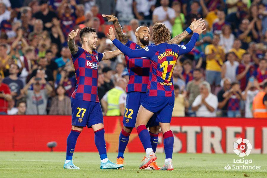 صور مباراة : برشلونة - بيتيس 5-2 ( 25-08-2019 )  05f27cda1b50b3a854f329a7fb3aa8c2