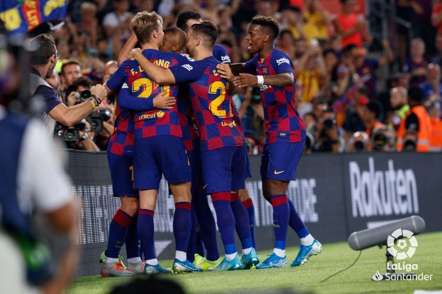 صور مباراة : برشلونة - بيتيس 5-2 ( 25-08-2019 )  3f4d70948981bd758af6922549f51380