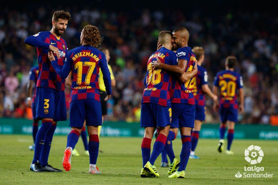 صور مباراة : برشلونة - بيتيس 5-2 ( 25-08-2019 )  6ed1463b1beaab84fc9b026d430645bd