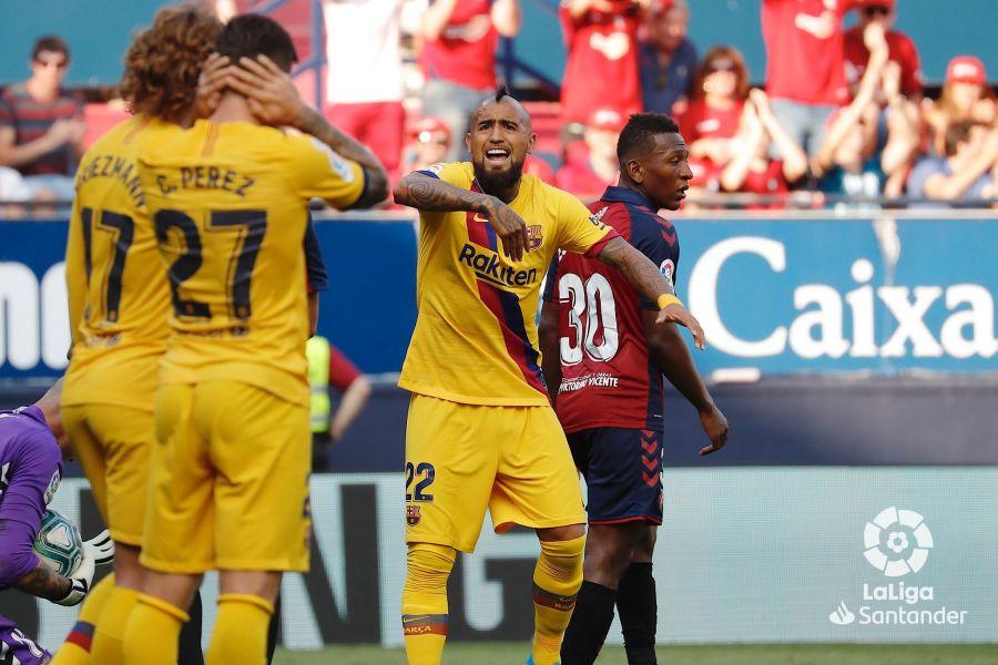 صور مباراة : أوساسونا - برشلونة 2-2 ( 31-08-2019 )  277544b636dc123b6dfee709457e3aed