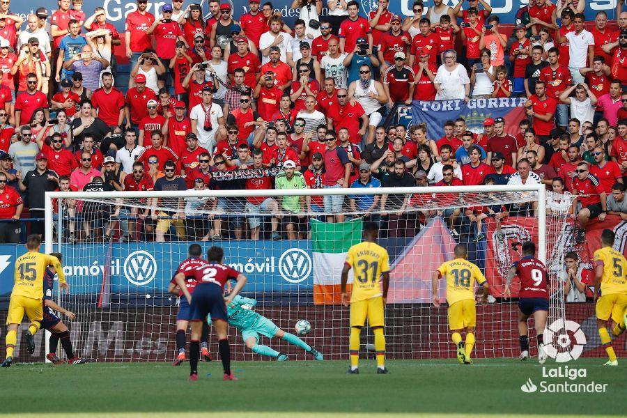 صور مباراة : أوساسونا - برشلونة 2-2 ( 31-08-2019 )  6f4f586f151c5282b68ec1603bb16a50