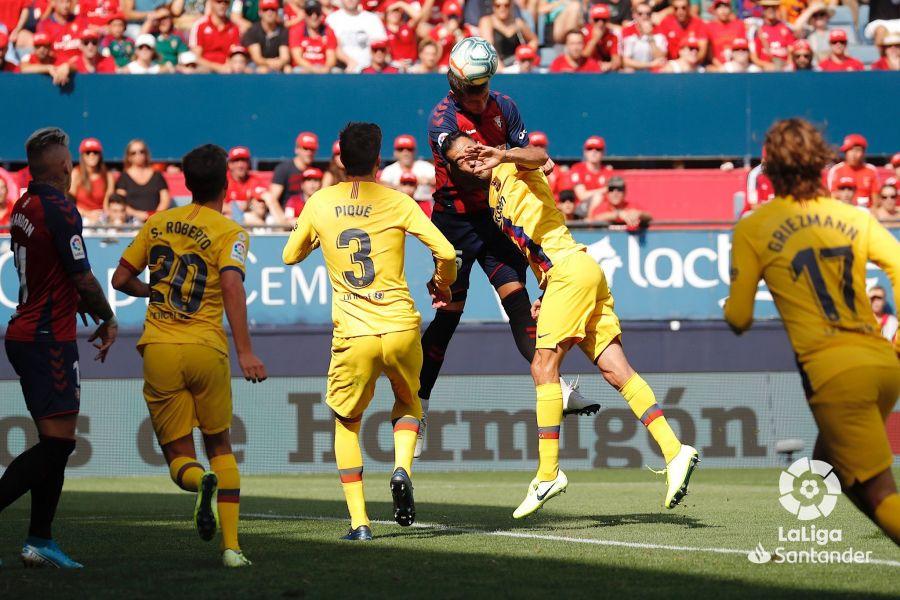 صور مباراة : أوساسونا - برشلونة 2-2 ( 31-08-2019 )  966b24d11e2a3a53888571d85d41c001