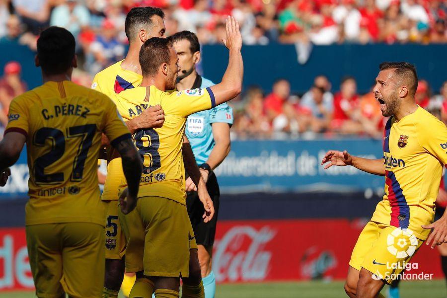 صور مباراة : أوساسونا - برشلونة 2-2 ( 31-08-2019 )  9b6233e4801caa14ba5e5f0a5d4ffe11