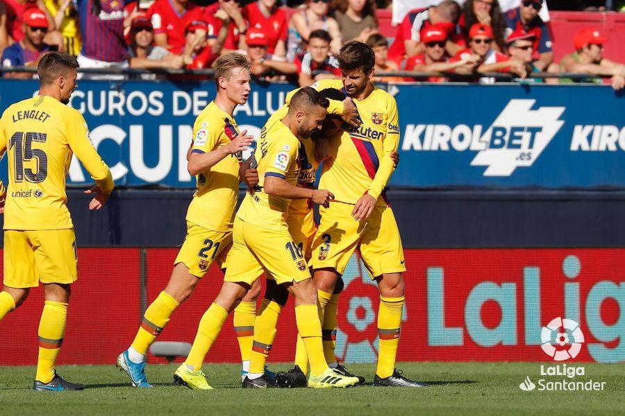 صور مباراة : أوساسونا - برشلونة 2-2 ( 31-08-2019 )  B3f533250214b18131f242215b01a605